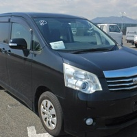 Toyota Noah 2,0L 2012