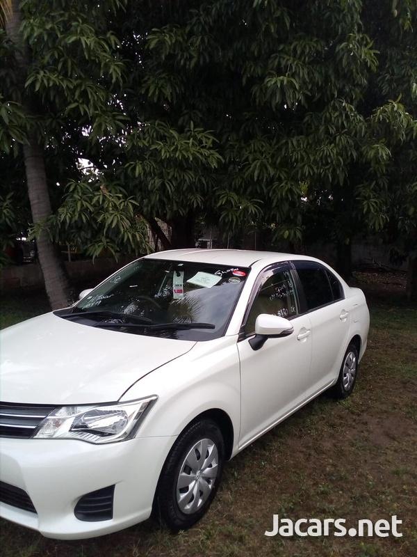 Toyota Axio 1,3L 2014-4