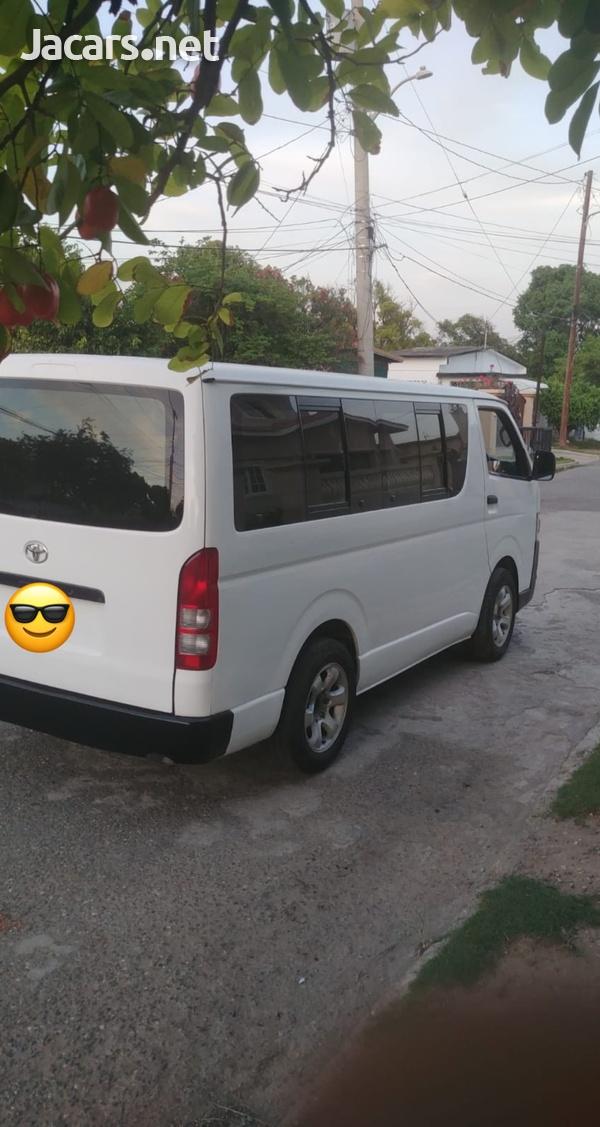 2008 Toyota Hiace Bus-7