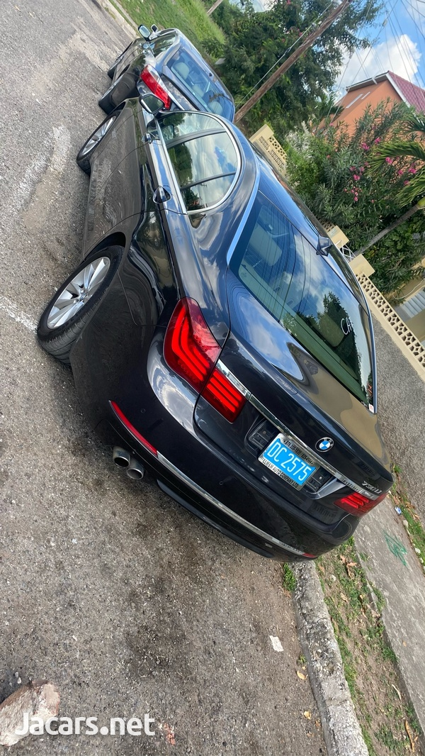 BMW 7-Series 3,0L 2015-4