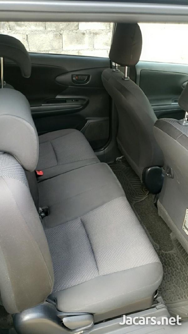 Toyota Wish 1,7L 2014-4