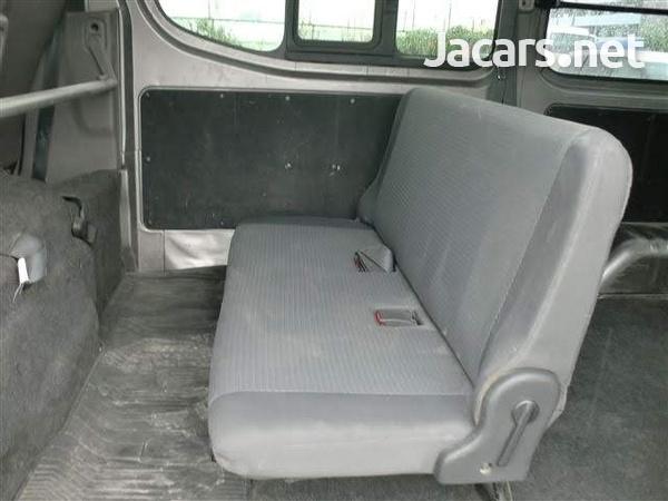 Nissan Caravan 3,6L 2013-5
