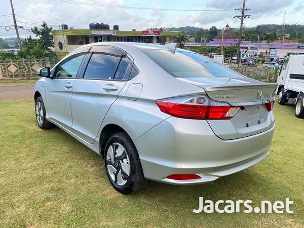 Honda Grace 1,5L 2016-8